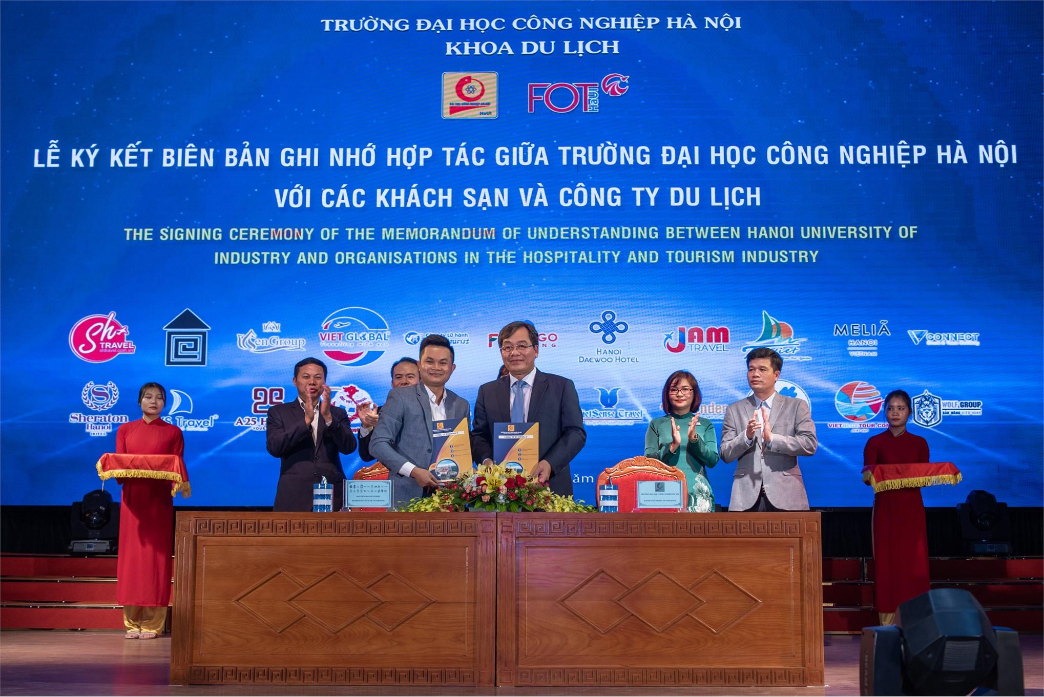 Lễ ký kết biên bản ghi nhớ hợp tác giữa trường Đại học Công nghiệp Hà Nội và các công ty du lịch
