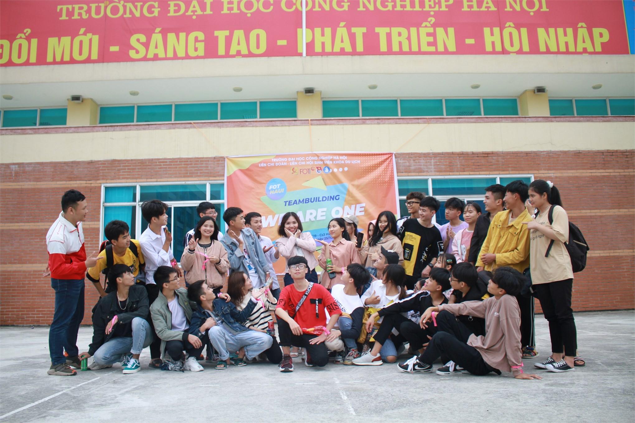 Tưng bừng và ấn tượng Chào tân sinh viên Khóa 15 Khoa Du lịch
